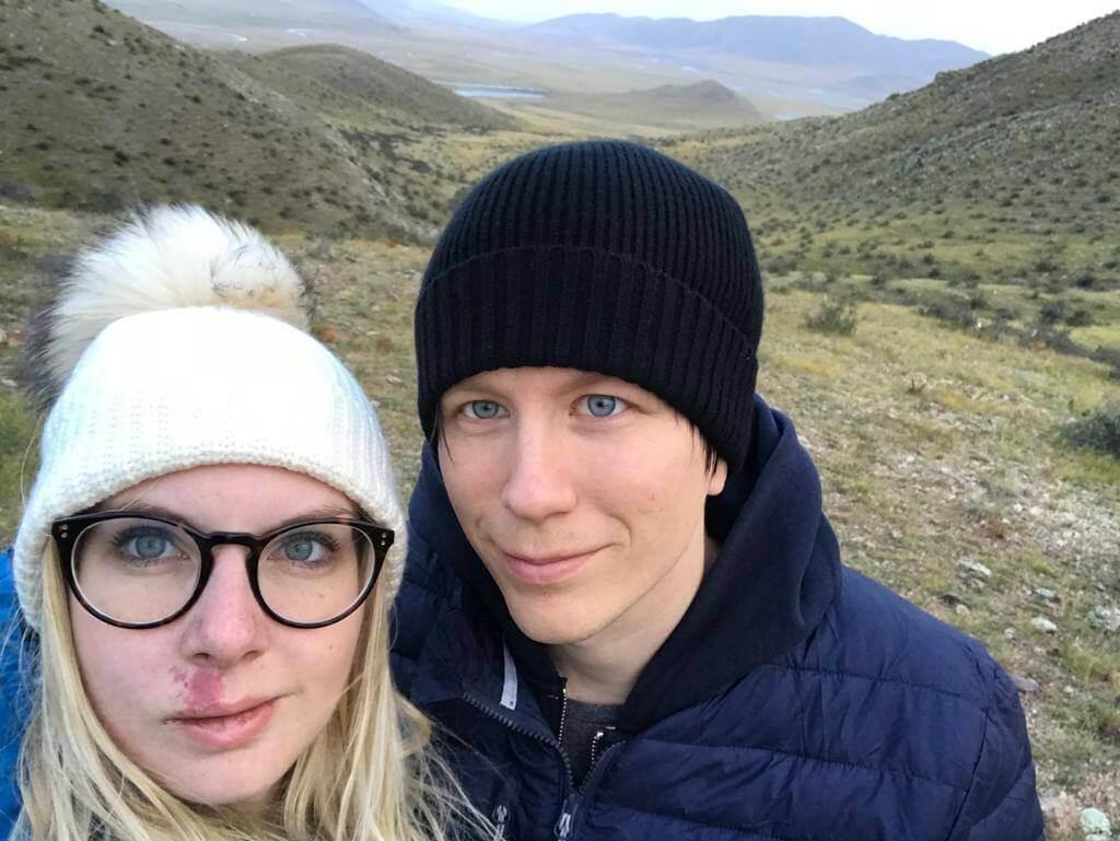 Jag (Andreas) och Susanna, någonstans på slätterna i Mongoliet.