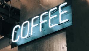 Neonskylt på kaffe.