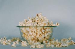 Det går lättare att få till en god smak på dina popcorn genom en popcornmaskin.