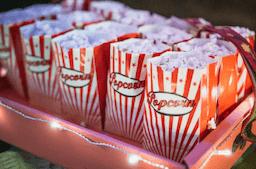 Popcornbägare - ett bra tillägg till den popcornmaskin som du ska köpa.